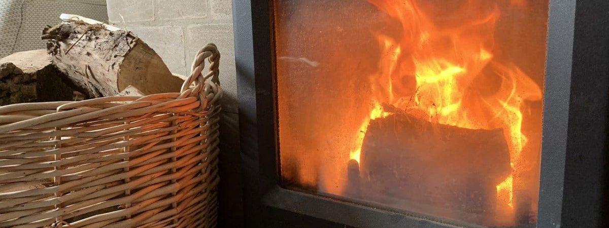 cheminée chauffage maison raccordement fumées conduits sortie granulés façade sol devis type plafond énergie logement dtu étanche coffrage température protection murs conseils toiture buches solution distance aides ventouse plaque toit combustibles